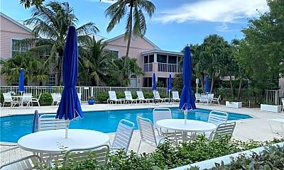 Pool, 391 NE Plantation Rd 222, 2
