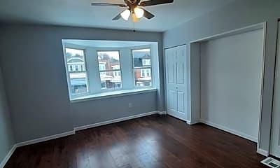 Living Room, 525 Farnsworth St, 2