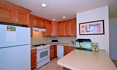 Kitchen, 711 Willis Ave 1E, 1