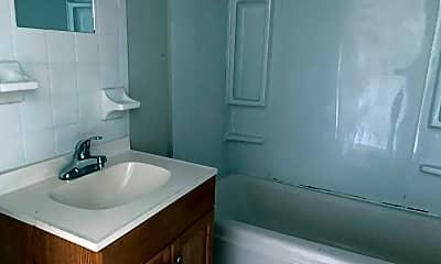 Bathroom, 2100 Pocahontas St, 1