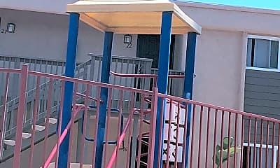 La Mesa Highview Apartments, 2