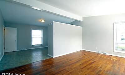 Building, 2507 E Tiffin Ave, 1