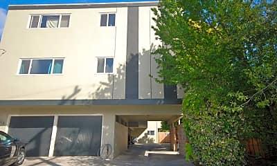 Building, 416 Villa Terrace, 2