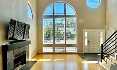 Living Room, 519 S Vermont St, 2