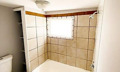 Bathroom, 4604 S Grand Blvd, 0