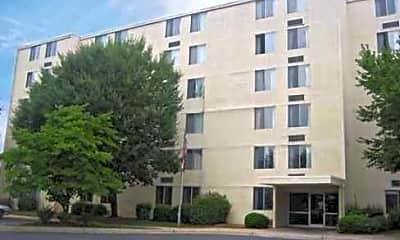 Winston Summit Apartments, 0