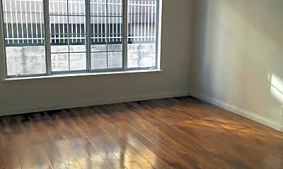 Living Room, 5831 Virginia Ave, 2