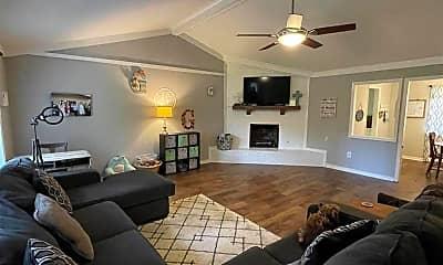 Living Room, 104 Pine Rd, 1
