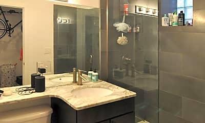 Bathroom, 1015 N Noble St, 2