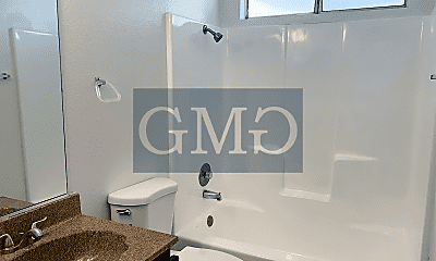 Bathroom, 642 Toledo Dr, 2