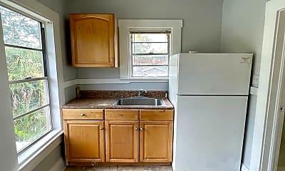 Kitchen, 911 E Emma St, 2