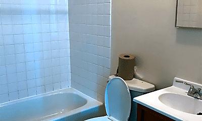 Bathroom, 714 S 19th St, 2