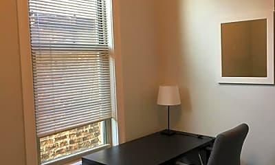 Dining Room, 850 S Loomis St, 1