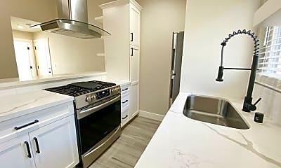Kitchen, 147 Ross St, 1