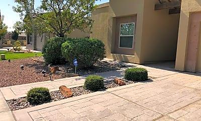 Building, 5305 Grove E Dr, 1