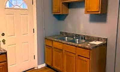 Kitchen, 3436 W Huron St 1W, 1