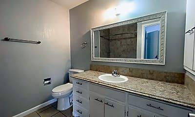 Bathroom, 2320 E 21st St, 1