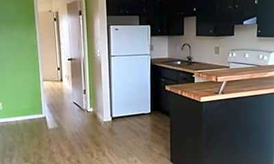 Kitchen, 567 Holcomb Ave, 1
