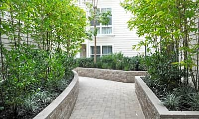 Metropolitan Apartments, 1