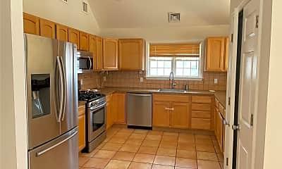 Kitchen, 369 E Fulton St, 1