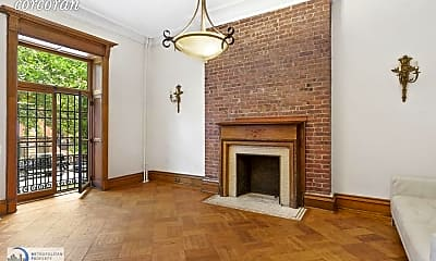 Living Room, 251 W 138th St, 2