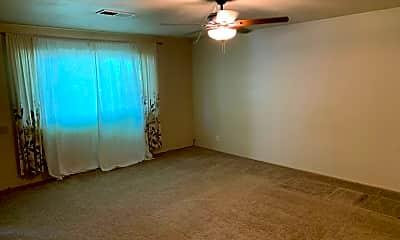 Living Room, 1810 Poplar Ln, 1