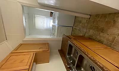 Kitchen, 1129 Convers Ave, 1