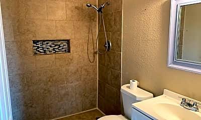 Bathroom, 520 Altitude St 3, 2