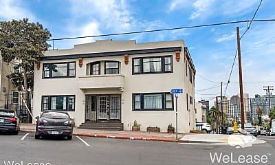 Building, 147 W Ivy St, 2
