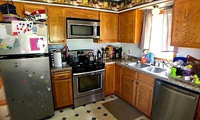 Kitchen, 4290 Larch Pl N, 0