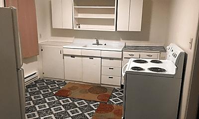 Kitchen, 122 7th St, 2