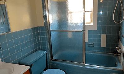 Bathroom, 1901 Hartranft St, 2