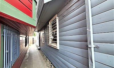 Patio / Deck, 931 Wood St, 2