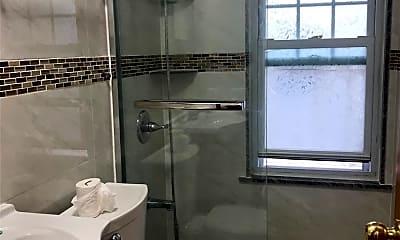 Bathroom, 43 Hicks Ln, 2