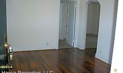 Bedroom, 4911 Newport Ave, 1