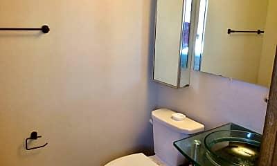 Bathroom, 398 9th Ave E, 2