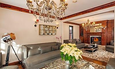 Living Room, 118 E Cooper Ave, 1