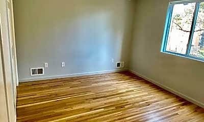 Living Room, 3862 Hylan Blvd, 2