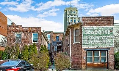 Building, 213 E Grace St, 1