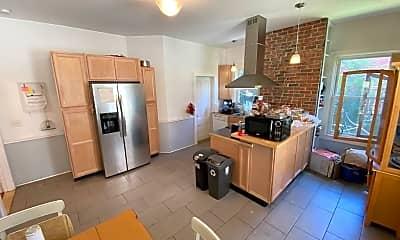 Kitchen, 152 Walnut St 1, 1