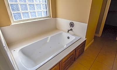 Bathroom, 3011 Greenwich St, 2