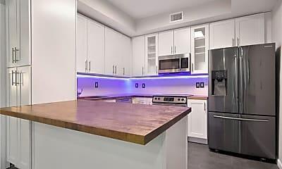 Kitchen, 2901 White Oak Dr, 0