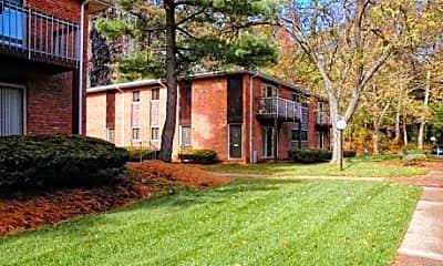 Crest Ridge Apartments, 2