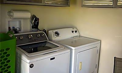 Kitchen, 645 Reyes Ave, 2