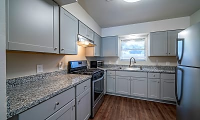 Kitchen, Room for Rent -  a 3 min walk to M L King Blvd @ S, 1
