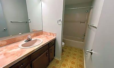 Bathroom, 2716 Montello Ave, 2
