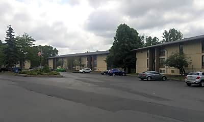 Eastpointe Apartments, 2