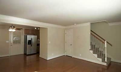 Living Room, 552 Savannah Hwy, 1