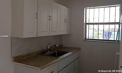 Kitchen, 1330 NE 127th St 5, 1