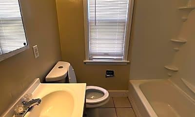Bathroom, 4946 N 37th St, 2